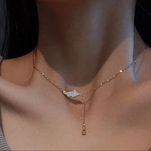 Gorgeous White Wing & Jewel Delicate Gold Necklace